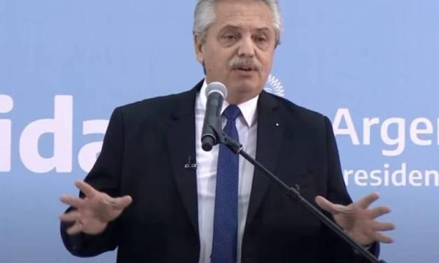 Alberto Fernández les tomó juramento a sus nuevos ministros: «No me van a ver atrapado en disputas internas»