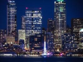Seattle Wheel at Night