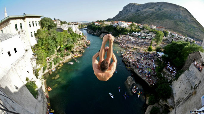 mostar bridge diving