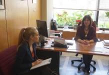 H Αντιδήμαρχος Μιμή Ρουφογάλη μιλάει στην Δήμητρα Κούτρα