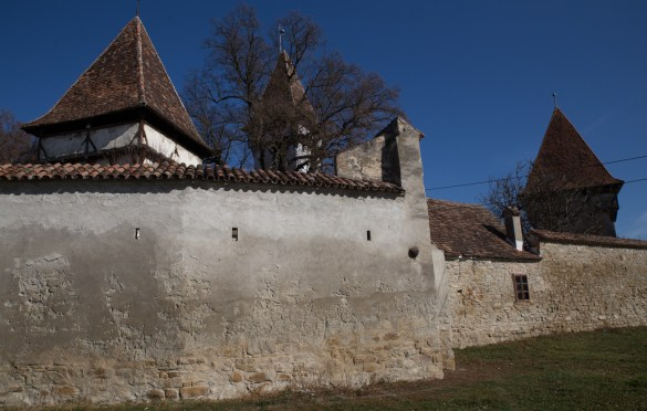 Cinscor – fortified church with original ring wall and defense towers