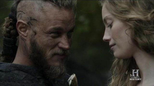 Travis Fimmel as Ragnar and Alyssa Sutherland as Aslaug in Vikings
