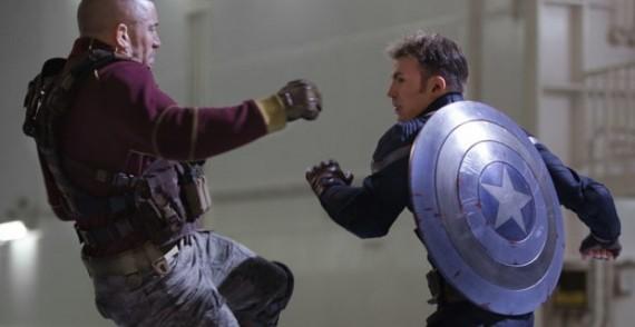 Steve-Rogers-fighting-in-Captain-America-2