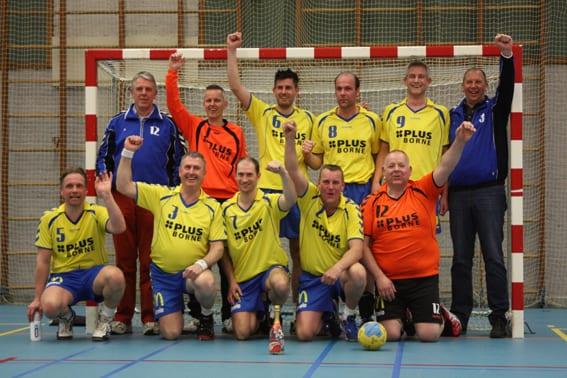2014 03 09 Heren 1 kampioen - Kampioensfeest gaat niet door?!