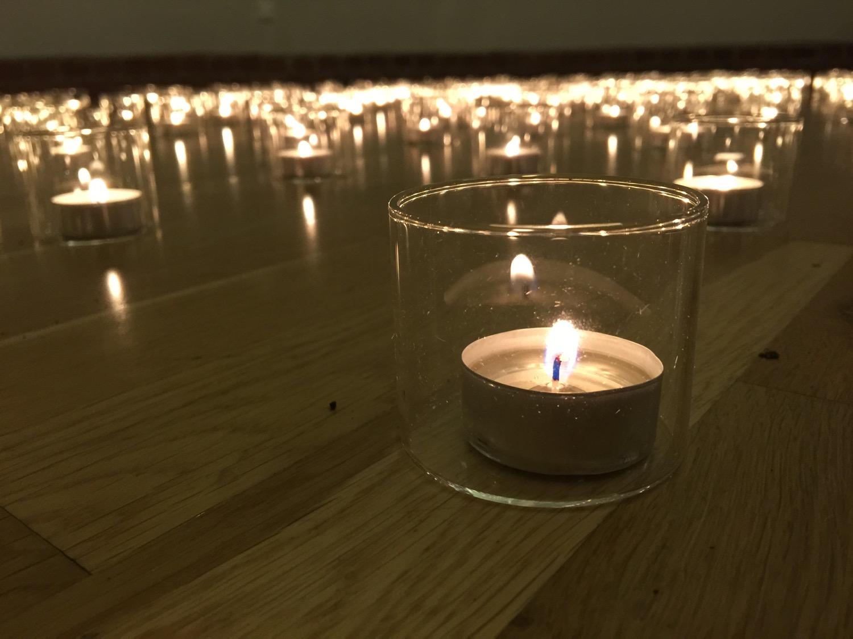181 Kerzen für 181 einsam Gestorbene © Boris Buchholz