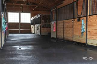 plyco horse stalls