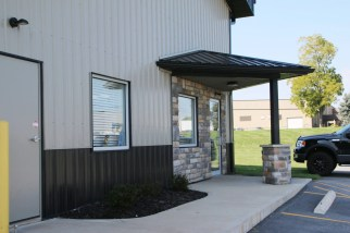 post-frame-commercial-porch-entrance