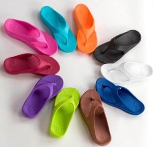 Telic sandals