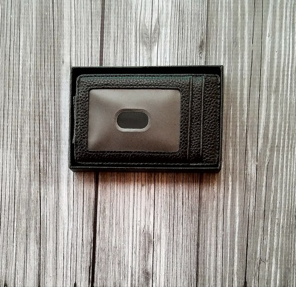 Kindzd money clip ID display