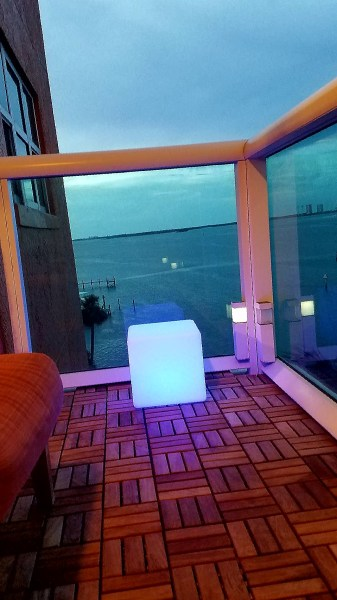 "12""LOFTEK LED Cube Rechargeable and Cordless Decorative Light with 16 RGB Colors and Remote Control, - Blue Glow"