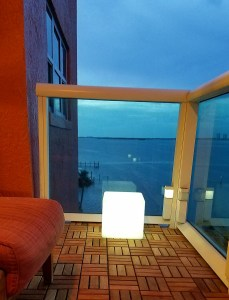 """12""""LOFTEK LED Cube Rechargeable and Cordless Decorative Light with 16 RGB Colors and Remote Control, - White Glow"""