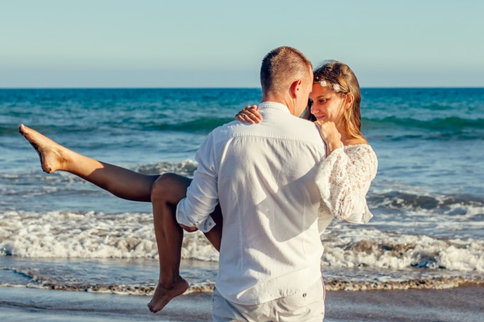 Five Tips to Plan the Perfect Surprise Anniversary Getaway