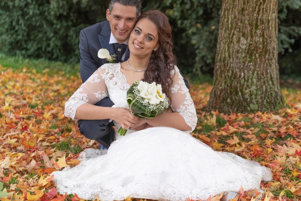 mariés sur les feuilles