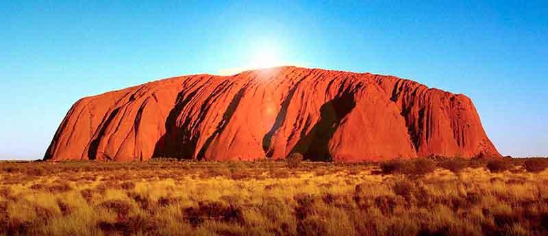 7 Fakta Menarik Bukit Kelam Batu Terbesar Di Dunia