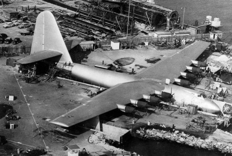 pesawat terbesar di dunia Hughes H-4 Hercules