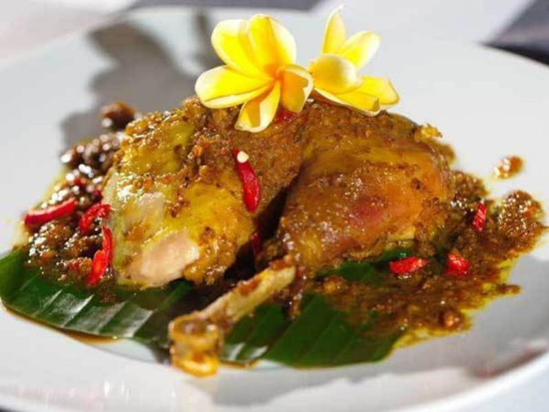 Makanan Khas Bali Bebek Betutu