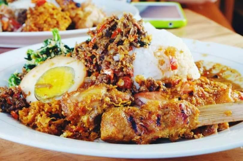 Makanan Khas Bali Nasi Campur Ayam Bali