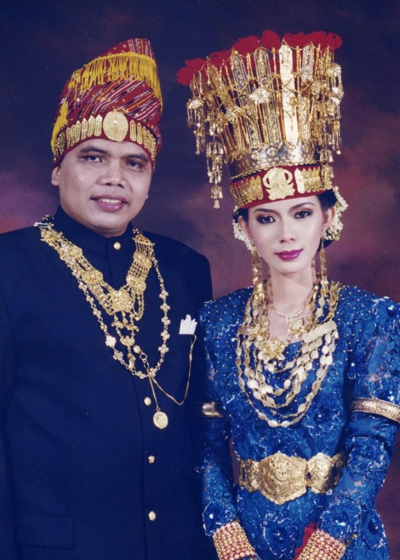 Contoh Gambar Pakaian Adat Sumatera Utara