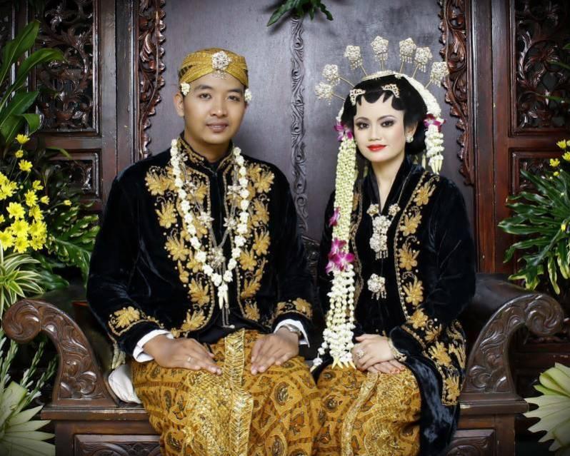 Baju pengantin Jawa Timur