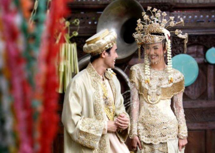 pakaian adat pengantin wanita betawi