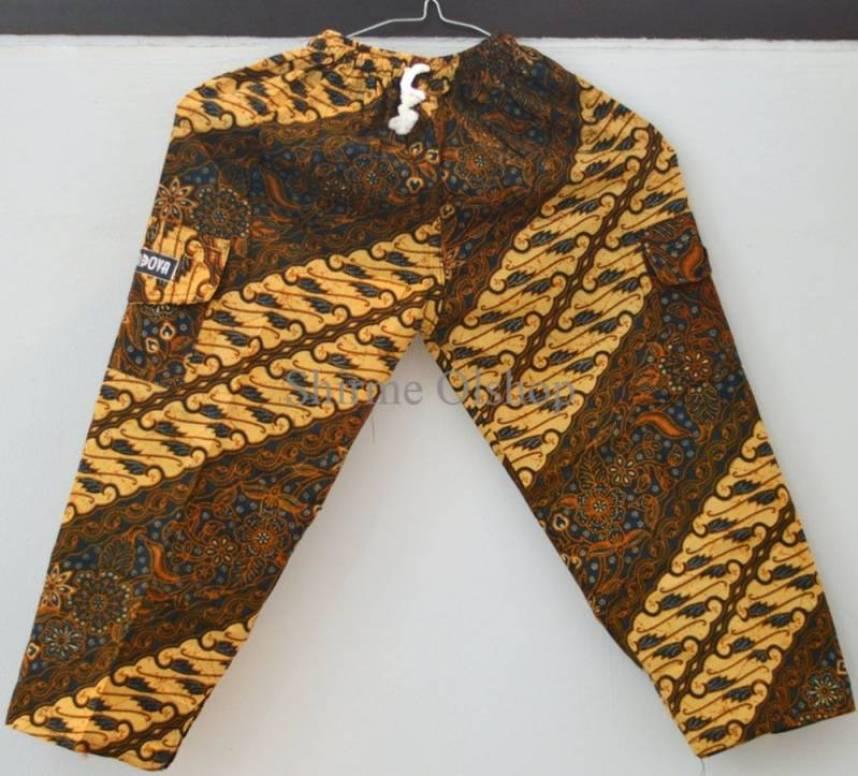 celana motif batik