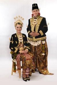 Pakaian Adat Jawa Timur Bernama