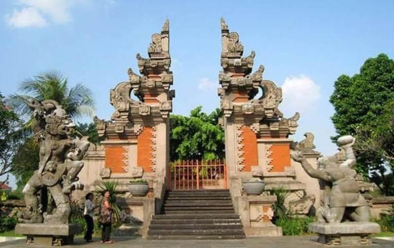Desain Gapura Bali Dan rumah adat bali