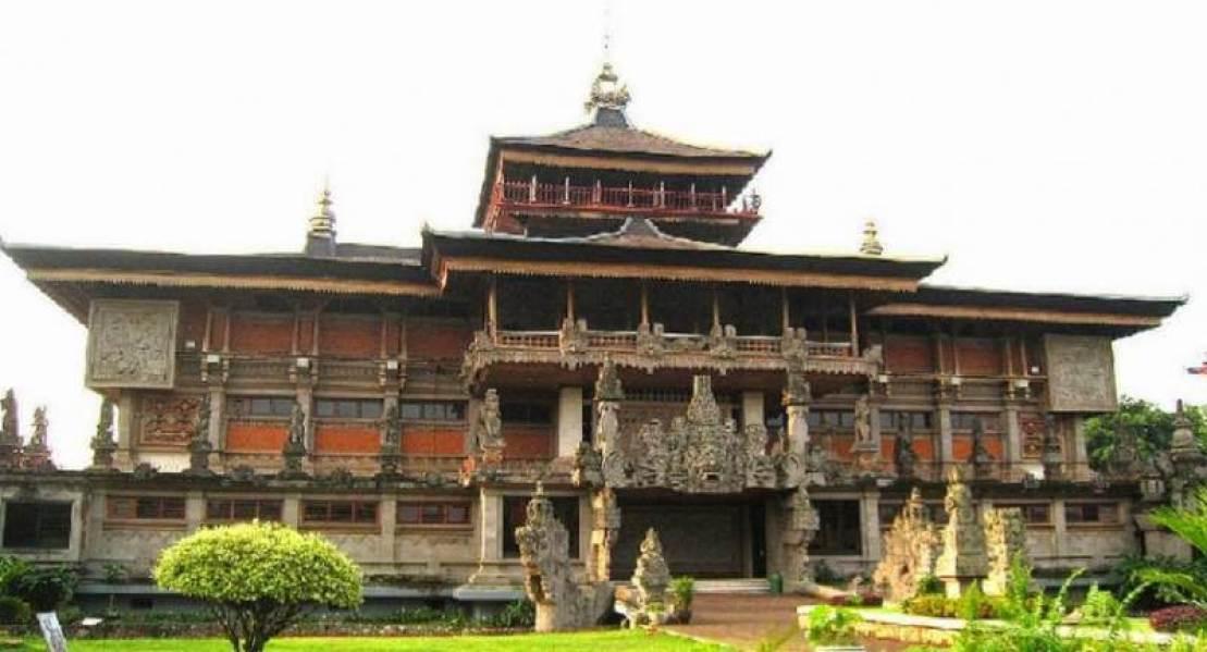 Desain Rumah Adat Bali Dan Keunikan Rumah Adat Bali