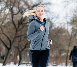 en sundere livsstil, ung løber ude i parken