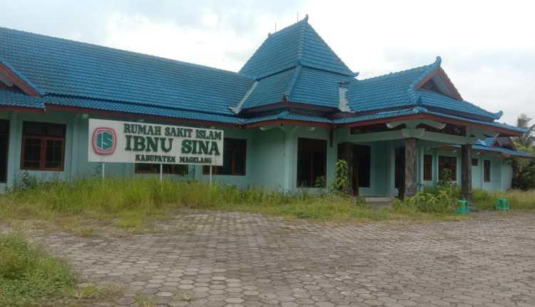MANGKRAK: RSI Ibnu Sina di Mertoyudan sudah delapan tahun tidak beroperasi. (Dok: Borobudur News)