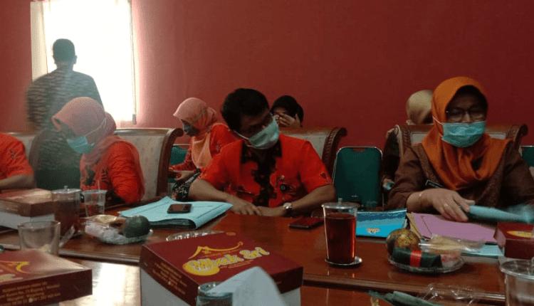 NEWS: Dinkes dan RSUD menemui Satgas Covid-19 DPRD Kabupaten Magelang (23/4/2020)-(Foto: Istimewa)