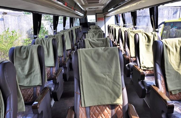 Set Kursi dalam bus social distancing