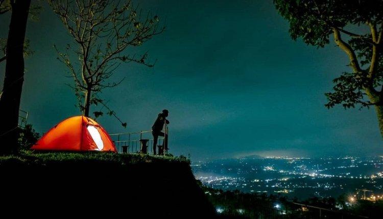 Camping-di-Bukit-Gondopurowangi