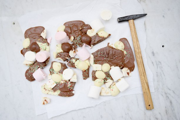 Easter Bark Borrels en Bites Blog Tony Chocolonely