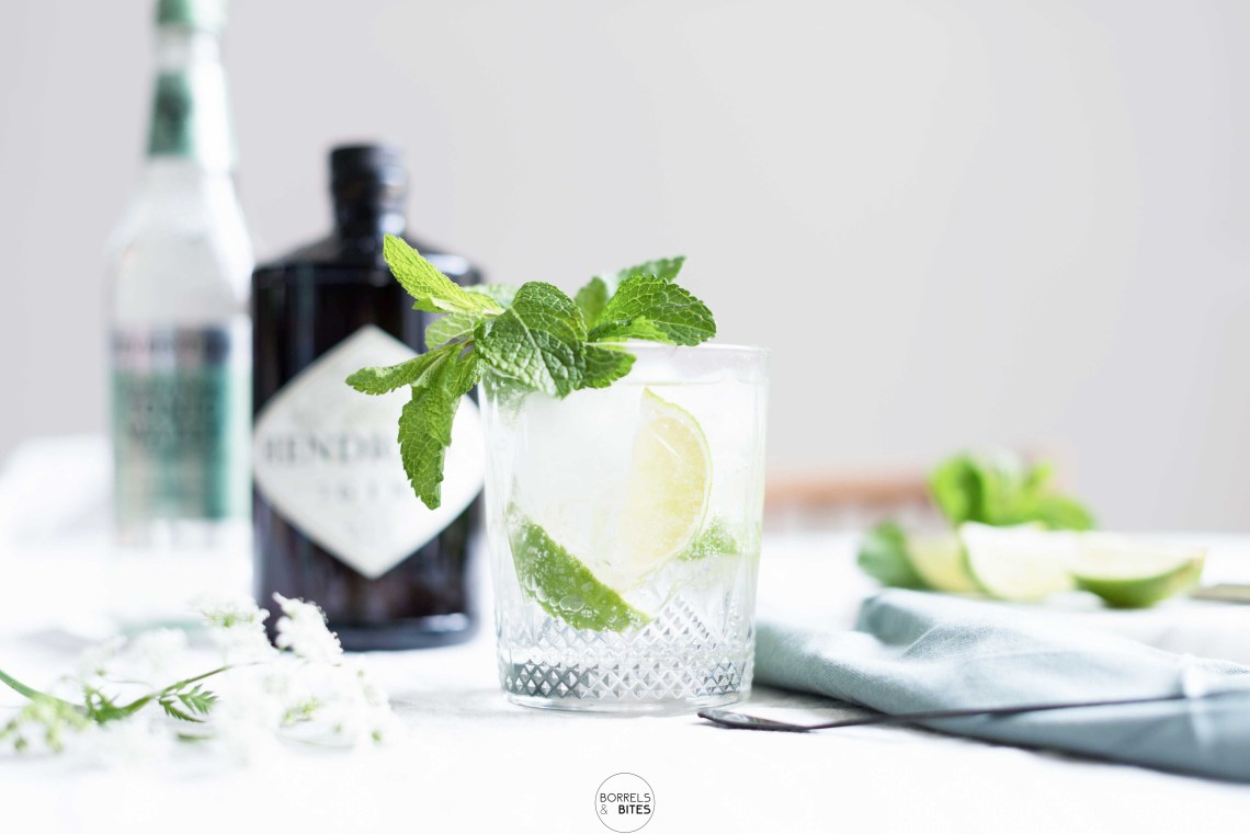Gin tonic elderflower met limoen en munt