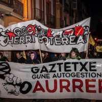Alde Zaharreko Gaztetxearen aldeko manifestazioa | Manifestación a favor del gaztetxe de Alde Zaharra
