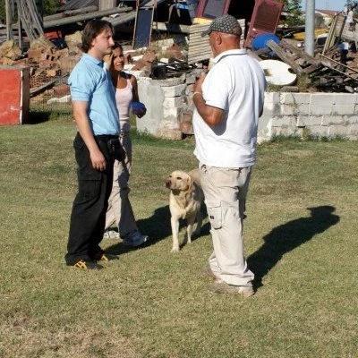 Paolo villani al campo macerie di Fidenza con Jessica e Martino, gioco col cane non vuole dire attivazione mentale del cane anche se attiva mentalmente il cane