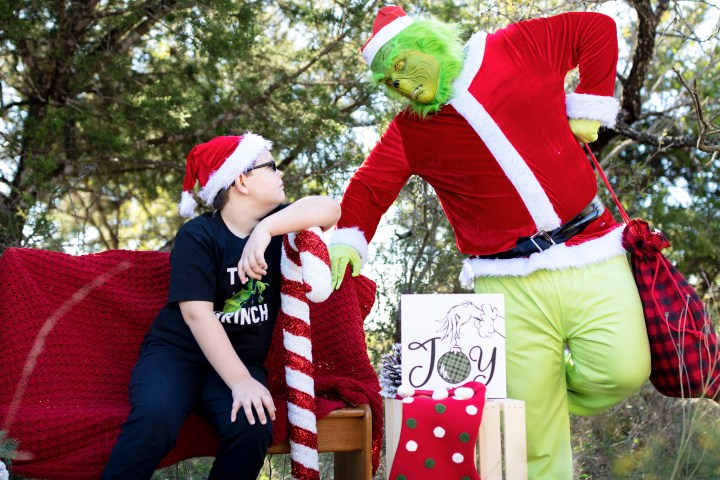 He's A Mean One – Grinch Mini Sessions!