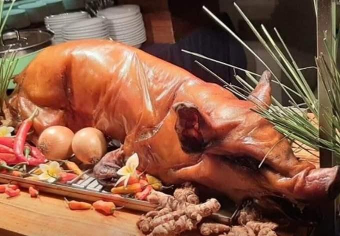 Makanan Khas Bali yang terkenal adalah Babi Guling