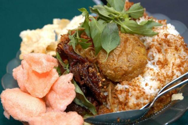 Makanan Khas Betawi dan Penjelasannya Nasi Ulam