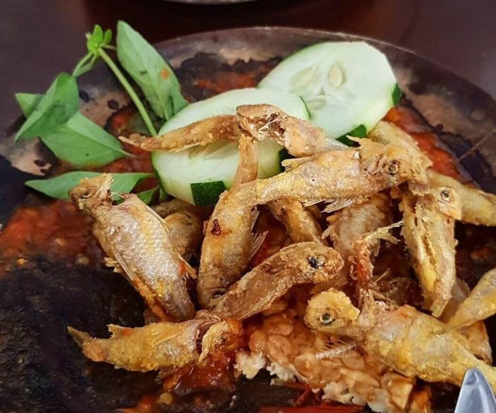 Makanan Khas Jawa Timur Sambel Wader