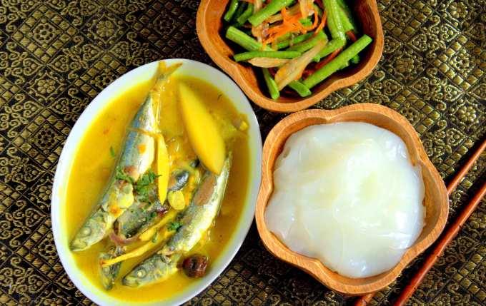Makanan Khas Toraja Papeda dan Ikan Kuah Kuning