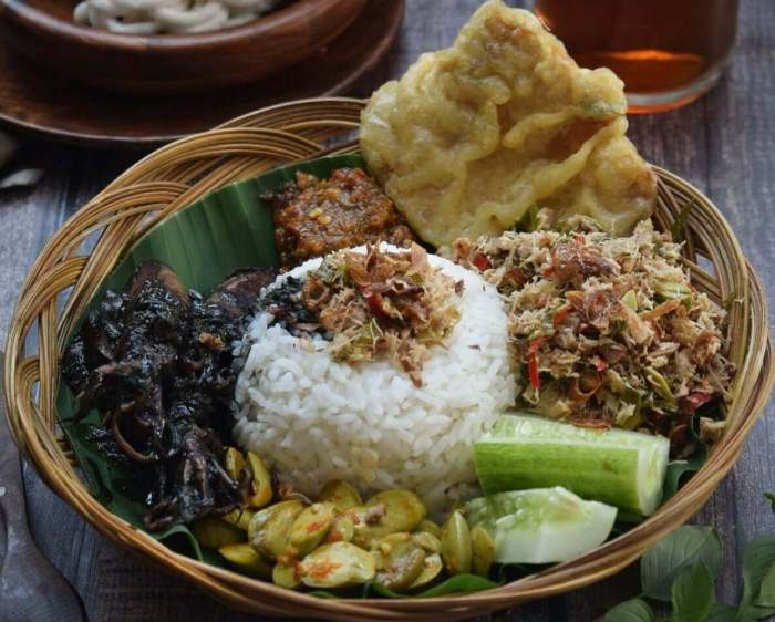 Makanan Khas Pekalongan Sego Megono