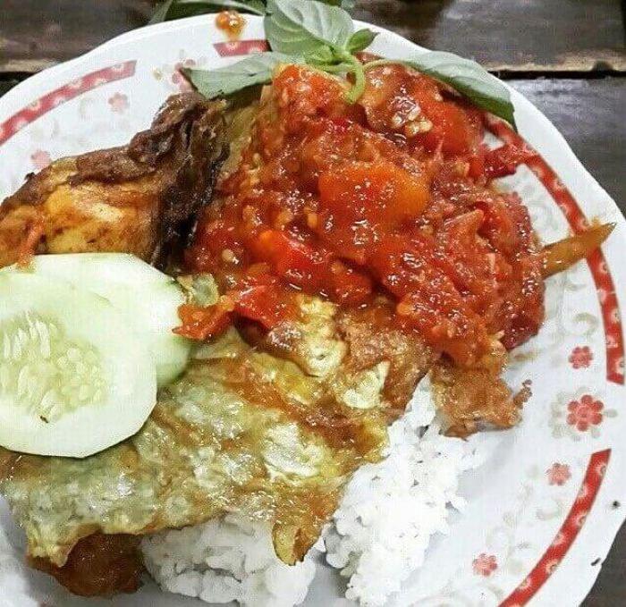 Makanan Khas Surabaya Tempo Dulu Sego Sambel Mak yeye