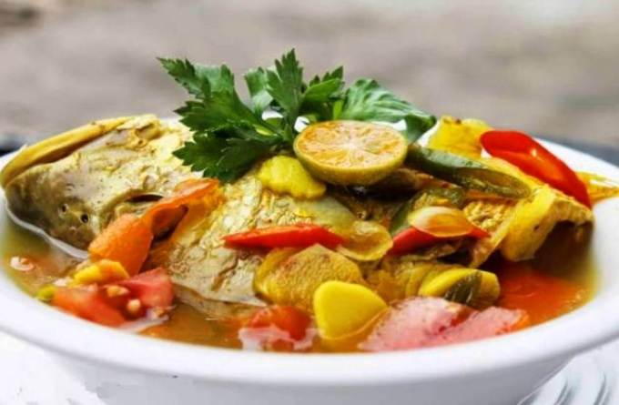 Makanan Khas Maluku Utara Ikan Kuah Pala Banda