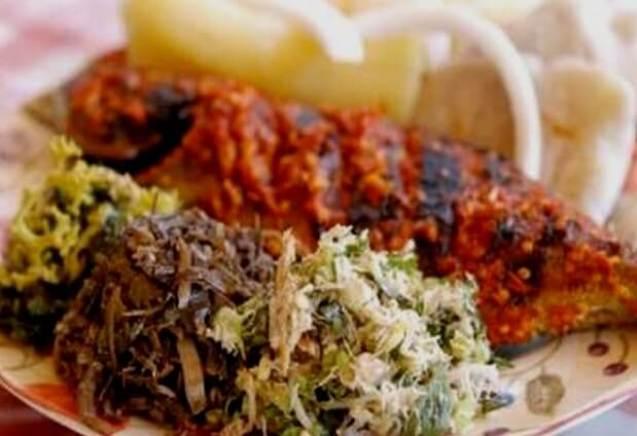 Makanan Khas Gorontalo Kasbi Komplet