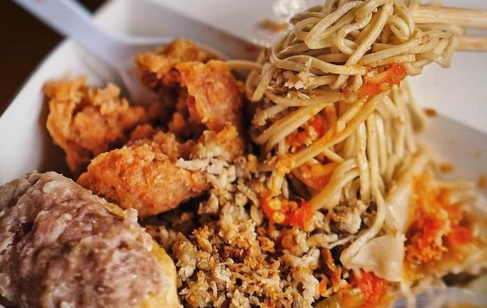 Makanan Khas Jember Mie Rama
