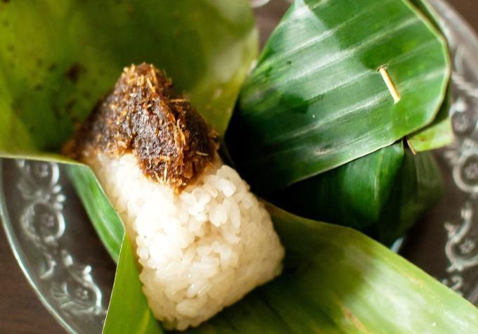 Makanan Khas Kalimantan Timur Pulut Nasi