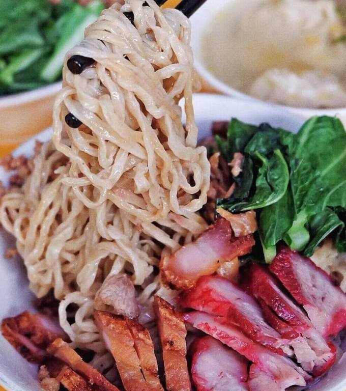 Makanan Khas Palembang Bakmi Babi