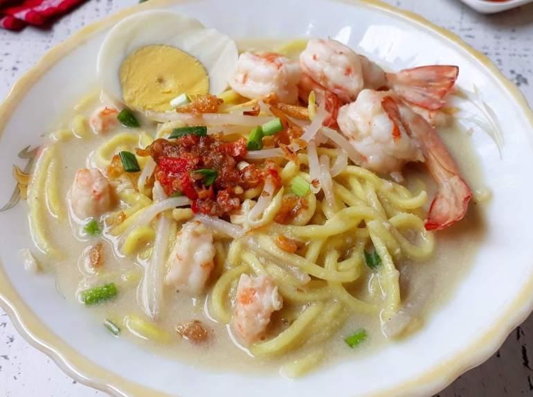Makanan Khas Palembang Mie Celor